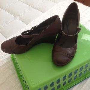 Bass leather wedges size 9M